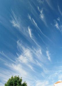 の 種類 雲 地震